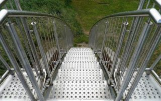 Метални стълби 37