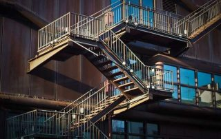 Метални стълби 70
