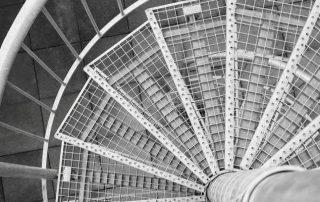 Метални стълби 79