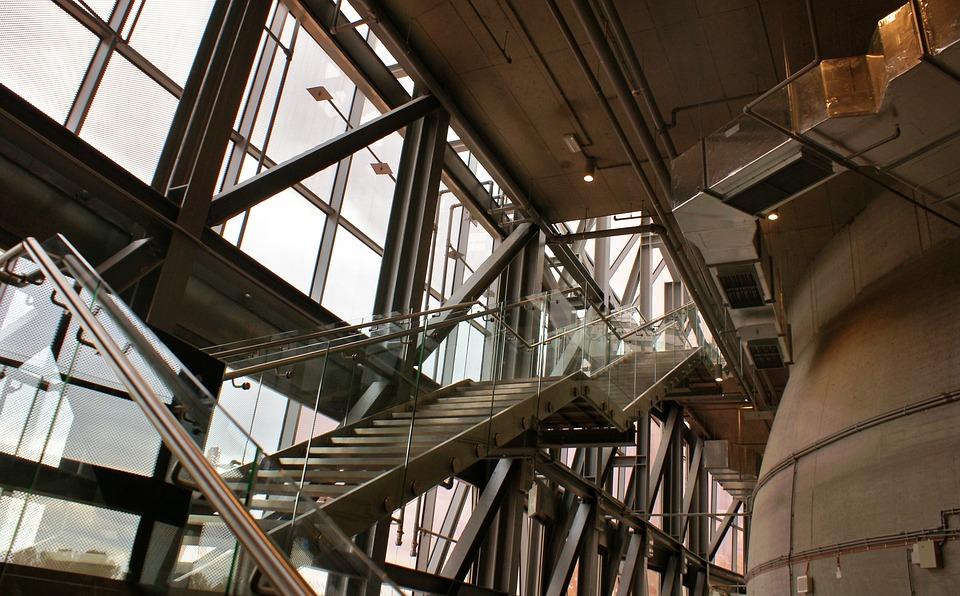 Метални стълби от http://metalnistulbi.com